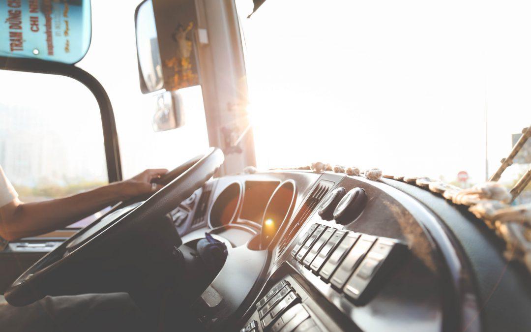 Dlaczego warto wyposażyć się w czytnik do tachografu?